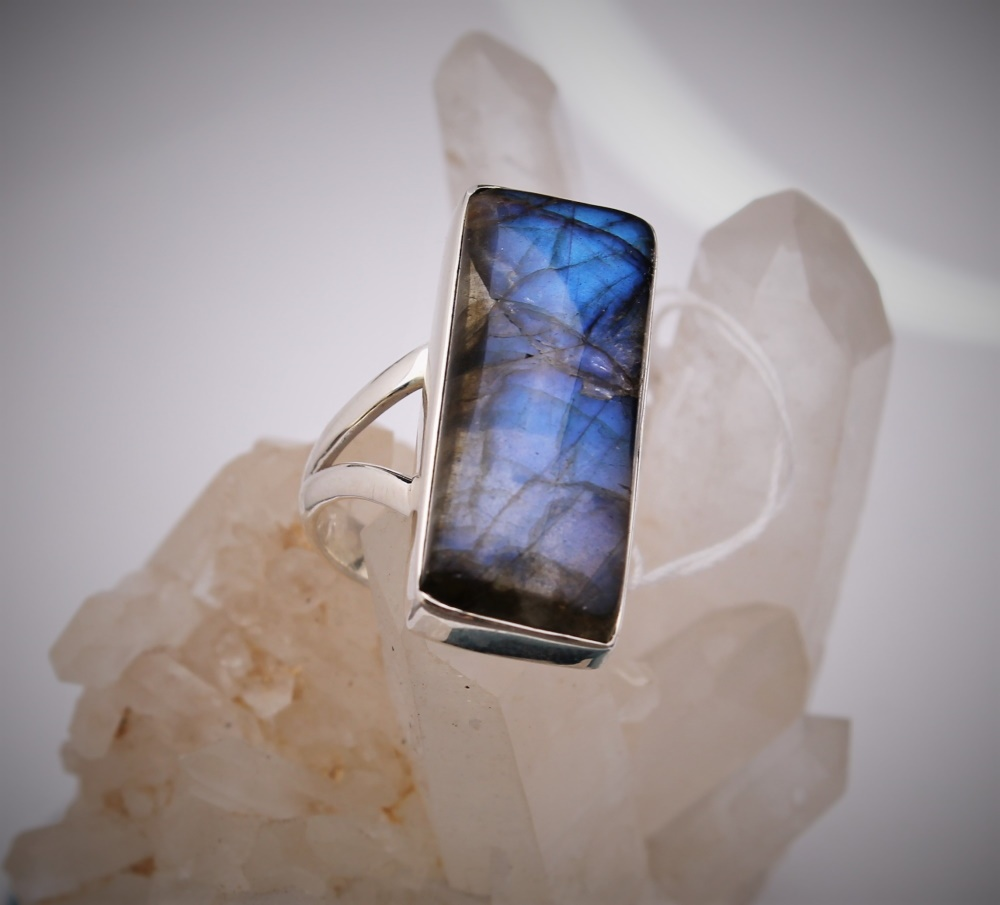 bague bijoux pierres semi-précieuses